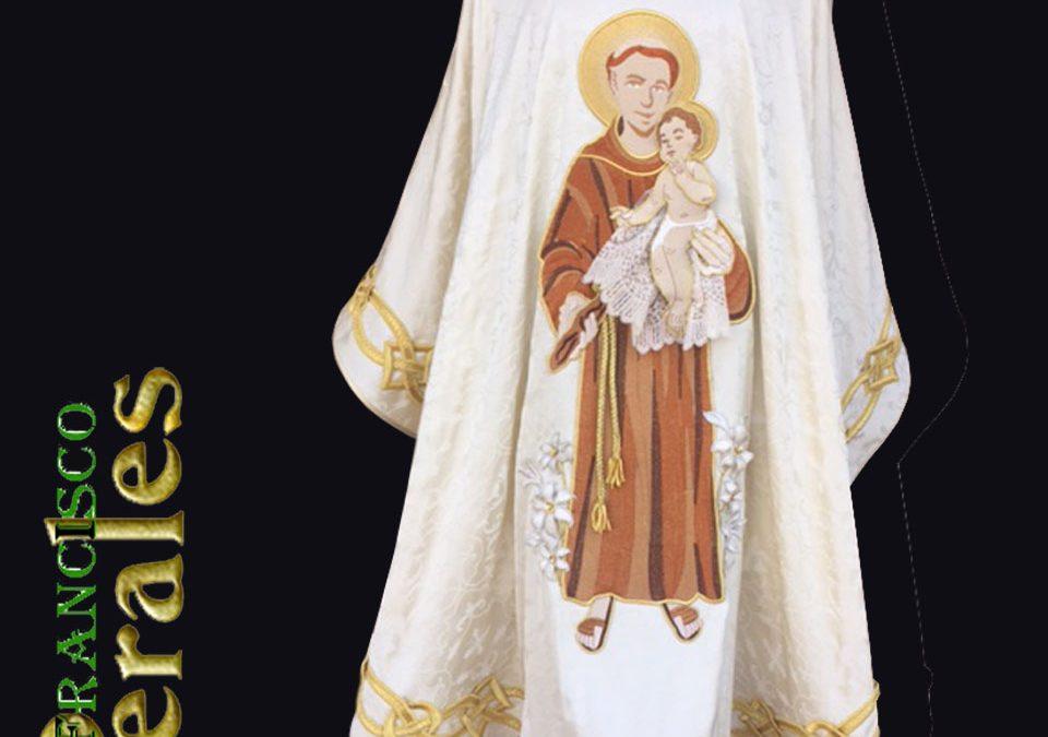 8e9432fe8ff Casullas para sacerdotes