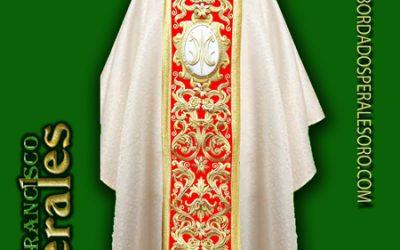 Casulla roja para Corpus Christi