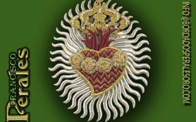 Corazón de María bordado