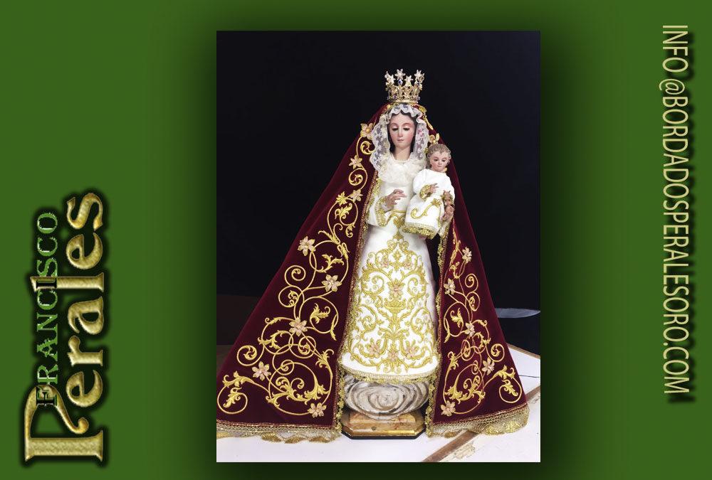 Terno bordado para Virgen pequeña