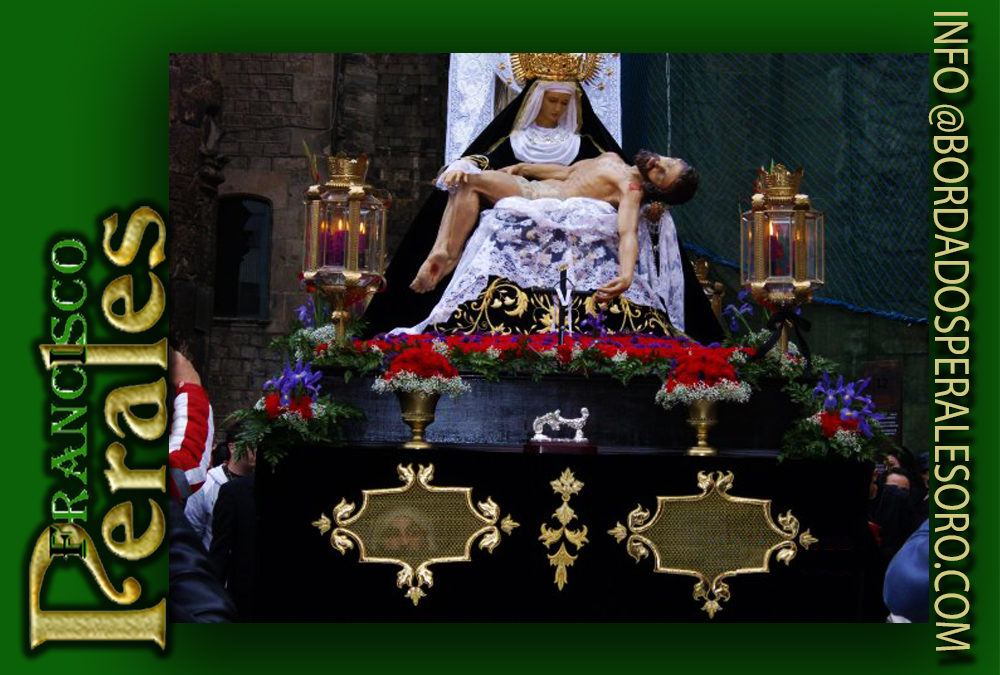 Faldones respiraderos para la Hermandad de Nuestra Señora de las Angustias en Barcelona.
