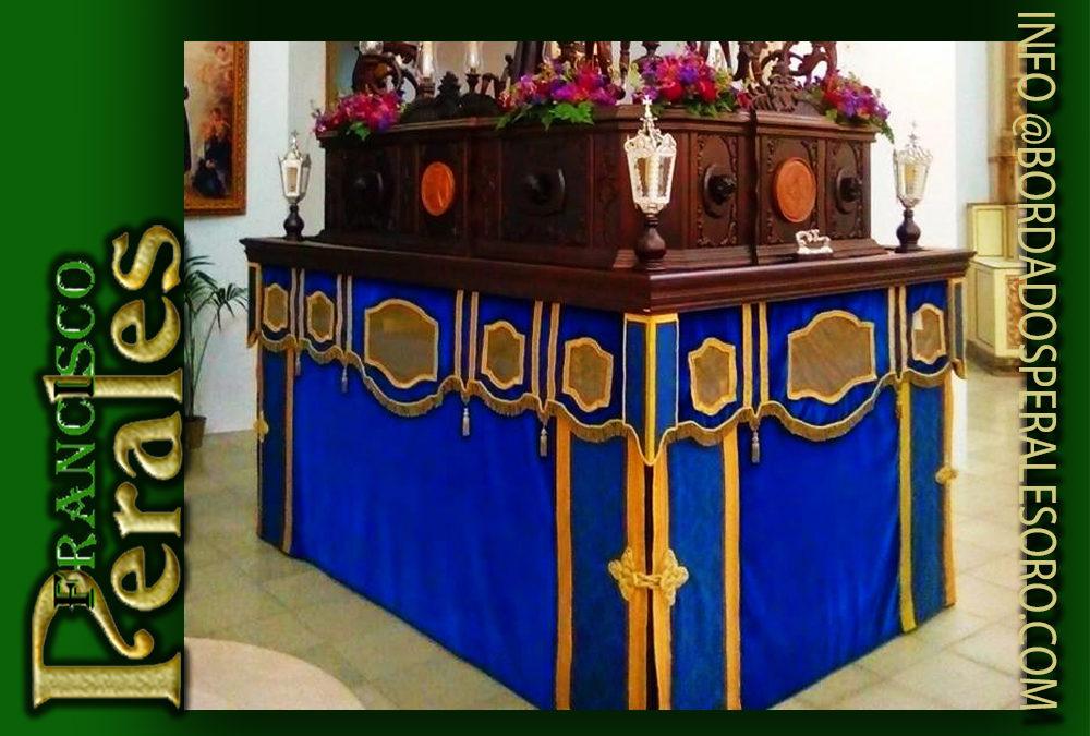 Faldón para el Cautivo de la Hermandad de Nazarenos de la Triunfal Entrada de Jesús en Jerusalén, Nuestro Padre Jesús Cautivo y María Santísima de la Paz de La Puebla de Cazalla en Sevilla.