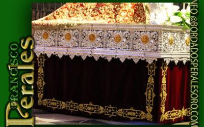 Faldón  para la imagen deSanta María la Realde la Catedral de Pamplona.