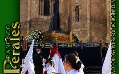 Faldón para la Hermandad de la Virgen de la Soledad al Pie De la Cruz de Segovia.