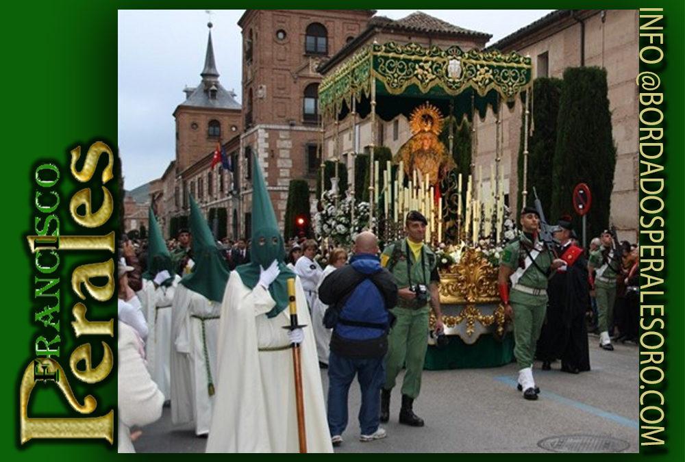 Palio bordado para la Hermandad del Santísimo Cristo Universitario de los Doctrinos y Ntra. Sra. De La Esperanza de Alcalá de Henares en Madrid.