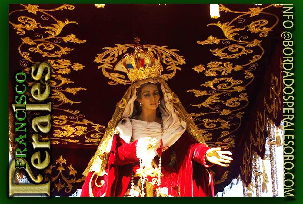 Techo de palio bordado para la Virgen de la Hermandad del Gran Poder en León.