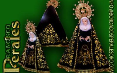 Manto bordado a mano para la imagen de la Ntra. Sra. de la Soledad de Arganda de Rey.