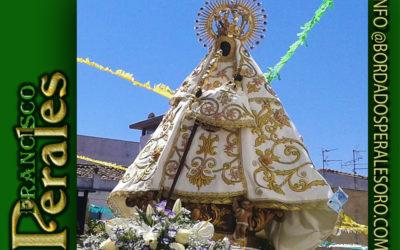 Manto bordado para Nuestra Señora de los Remedios Patrona de Casas de Don Pedro en Badajoz.