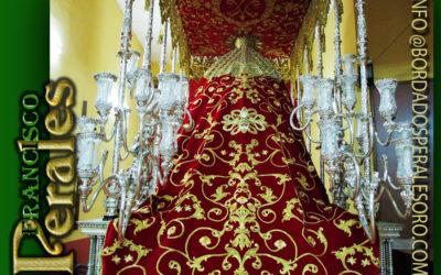Manto bordado para la Hermandad del Santísimo Cristo en la Columna y María Consoladora de los Afligidos de Manzanares en Ciudad Real.