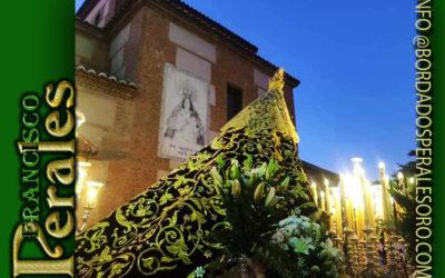 Manto bordado para la Virgen de la Sierra Patrona de Moral de Calatrava en Ciudad Real.