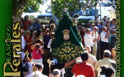 Manto bordado para la Virgen de Carejas de Paredes de Nava en Palencia.