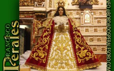 Manto bordado para Nuestra Señora de los Santos Patrona de Móstoles en Madrid.