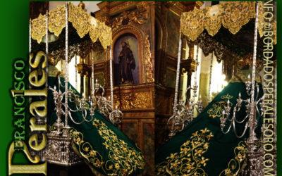 Manto bordado para la Hermandad de Nuestra Señora de la Esperanza de Socuellamos en Ciudad Real.