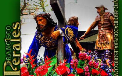 Túnica realizada para la Cofradía Santo Cristo de la Bienaventuranza de León.