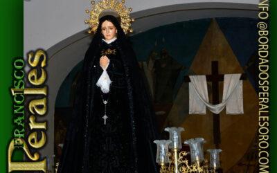 Manto bordado realizado para la Hermandad Nuestra de la Soledad de Villaviciosa de Odón en Madrid.