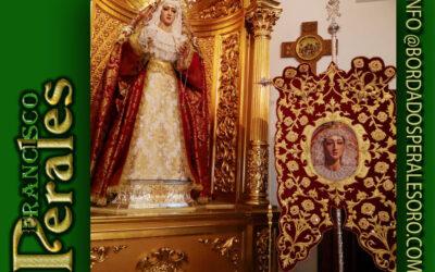 Simpecado bordado realizado para la Hermandad y Cofradía de Nazarenos del Santísimo Cristo Atado a la Columna y María Santísima de las Lágrimas y del Consuelo de Alcalá de Henares.