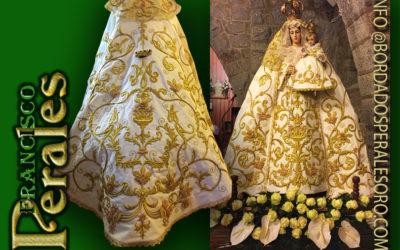 Manto bordado para Nuestra Señora del Rosario de Navalperal de Pinares en Ávila.