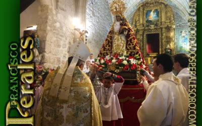 Manto bordado realizado para Nuestra Señora de la Bienvenida de El Puente del Arzobispo en Toledo.
